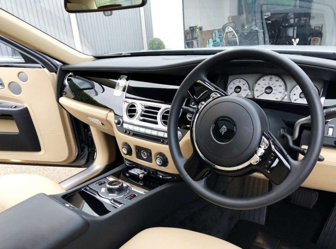 Mobile-Detailing-Essex-Customer-Rolls-Royce-Interior